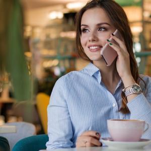 モテ女子は実践してる?第一印象の好感度アップには笑顔と姿勢が欠かせない