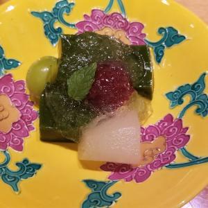 【デザート】抹茶わらび餅と果物盛り合わせ