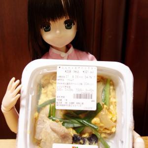 セブンイレブン【ふんわり玉子のニラ玉】もやし炒めを作って一緒に食べるのがオススメです