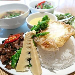 タイ、タイ、ときどき担々麺。