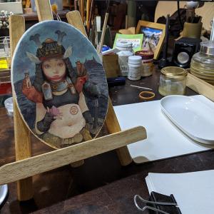 急に思い立って「小太りの女子桃太郎」描き始める