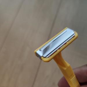 貝印 ヤングT カミソリ ~詰まりにくい1枚刃 自転車乗りのスネ毛剃りに~