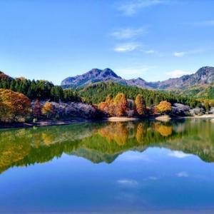 読書ソロハイク。古賀志山の頂上でコーヒーと読書を楽しんできた。紅葉も良かった!