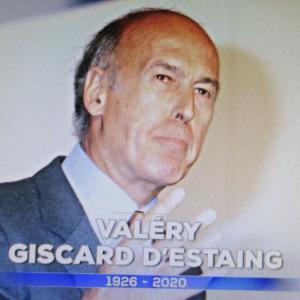 ジスカールデスタン元仏大統領死去