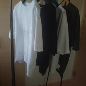 ユニクロU オーバーサイズクルーネックTシャツは隠れた名作?