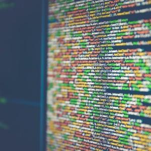 プログラミングの独学は無理?現役システムエンジニアが解説