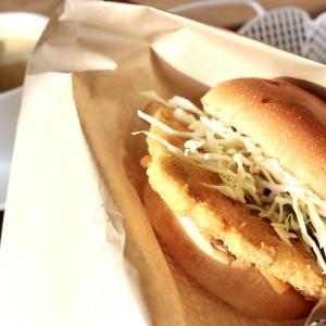 【食べあるき】沼津バーガー(沼津港)〜深海魚をフィッシュバーガーに!人気の深海魚バーガー700円を朝食で