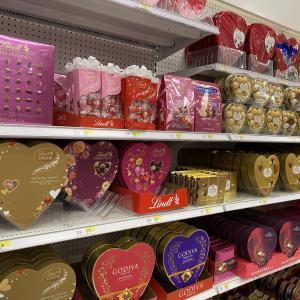 アメリカのスーパーで売り出し中!期間限定の可愛いバレンタインチョコ