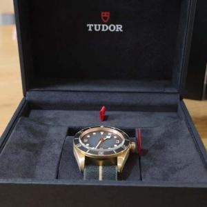 腎盂尿管腫瘍になりまして。 時計を購入しました。