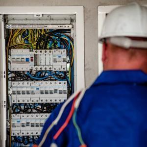 【就職事情】未経験から電気工事士になるための事前準備