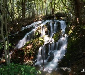 常盤湖本土手の滝