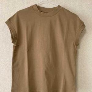 無印の定番フレンチスリーブTシャツ