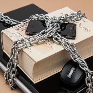 新しくビジネスを行う場合、必ず法令上の制限をチェック!