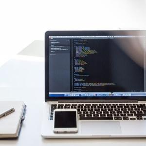 【Blogger】ソースコードをブログ記事に貼り付ける方法