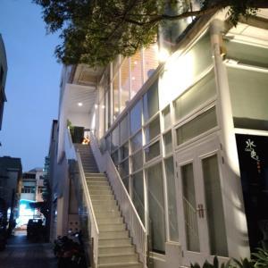 【台南】中西区 川のほとりにあるガラス本屋兼喫茶店 烏邦図Ubuntu