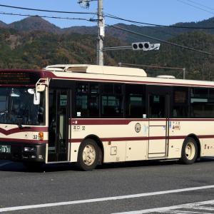 京都バス 32号車 [京都 200 か 1831]