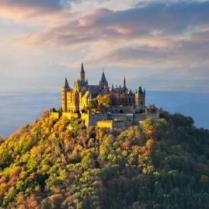 ホーエンツォレルン城を歩く!ドイツの天空の城!!