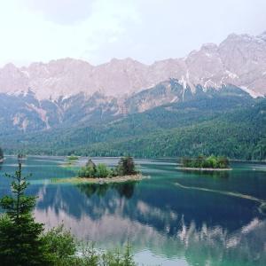 ドイツ!アイブ湖(eibsee)!バイエルンの美しい湖を歩く!絶景スポット