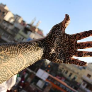おしゃれなデザイン!インドのヘナタトゥーの値段はどれくらい?いつ消えるの?