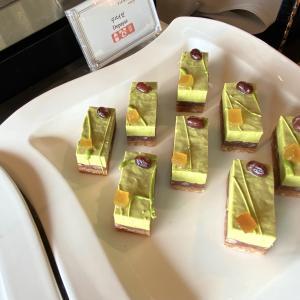 【赤坂見附】ホテルニューオータニ東京『ガーデンラウンジ』抹茶とメロンとチョコレートスイーツプレゼンテーション
