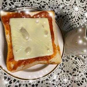 朝ごはん 自家製トマトピューレ