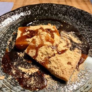 これはこれで、「安倍川餅」でいいんじゃない? 黒蜜きな粉餅♬