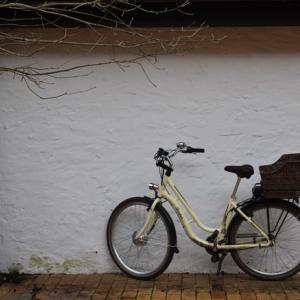 自転車通勤のすすめ 雨の日の対策 電動自転車 NGな服