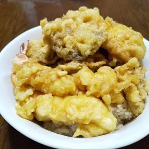 今日の晩飯 天ぷらを揚げて天丼を作ってみた。