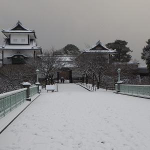 金沢・雪の兼六園早朝開園はお勧めです!①