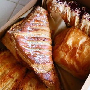 美味なベーカリー - Pinwheel Cafe & Bakery