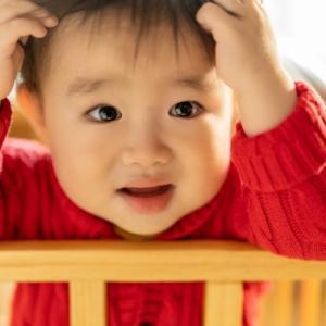 赤ちゃん絶壁は自然になおる?生後3ヶ月〜1歳まで経過写真あり