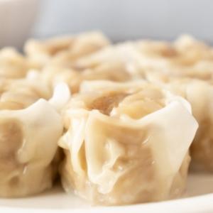 【朗報】面倒な焼売作りには離乳食用小分けトレーを使うと便利