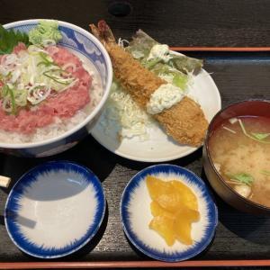 プリプリのエビフライ! 超新鮮な食材で作られた定食が食べられる、市場の中の定食屋、三洋食堂