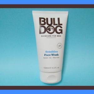 肌が敏感な時は、肌に優しい洗顔料を使う ブルドッグ センシティブ フェイスウォッシュ