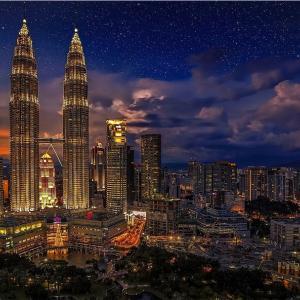 マレーシアの「ペトロナスツインタワー」を観光したい!!