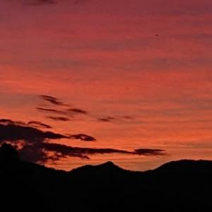 今日の夕日が綺麗でした🎵慕情🎵