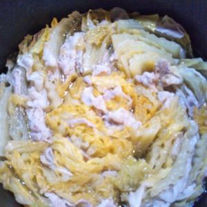 白菜と豚肉のミルフィーユ鍋の夕飯