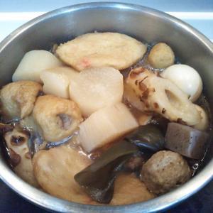 おでんとカツオのお刺身の夕飯