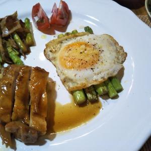 照焼チキンとアスパラガスのソテーの夕飯 重陽の節句