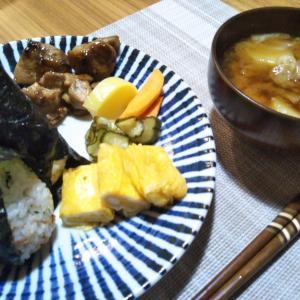 おむすび定食の夕飯 冷凍グラタンの昼食
