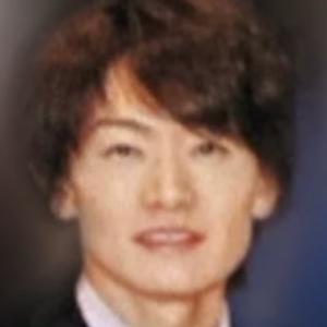 小学校教師井上浩一容疑者が憂さ晴らしで生徒に『しね』『きょしょいよきみ』と落書き
