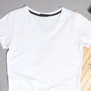 昭和な雰囲気のロゴTシャツ ブランドを見直したローカルなビジネス