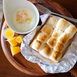 休みの朝の【乗っけて焼くだけ】プリントーストとマシュマロトースト
