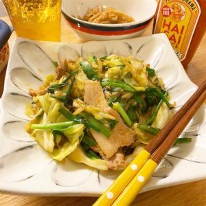 沖縄のハイサイソースでピリ辛!豚バラ、キャベツの炒め物