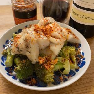白身魚の揚げ焼き ブロッコリーとピリ辛和え