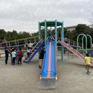 【八王子公園】埼玉のちょうどいい広さで複合遊具を楽しめる公園!