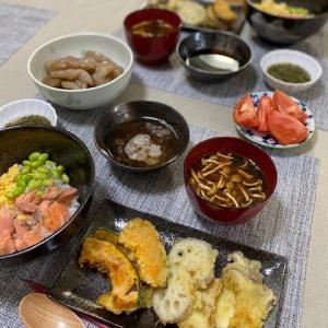 三食丼の夕食