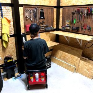 ガレージにテーブルと工具棚をDIYしたらいろいろ面白かった!