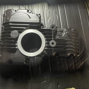 空冷 GPz1100 オイルパンガスケット交換と再塗装とその他