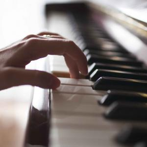 《ピアノを弾く》ショパンコンクール2021